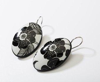 Nachtbloem Collectie ovaal porseleinen oorhangers