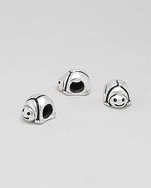 Zilveren bead - lieveheersbeestje