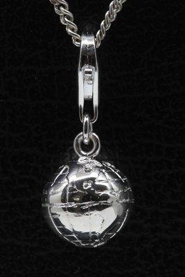 Zilveren Wereldbol klein hanger én  bedel