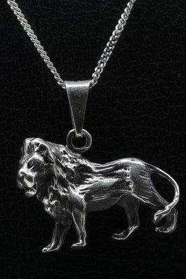 Zilveren Leeuw ketting hanger - groot gezwart