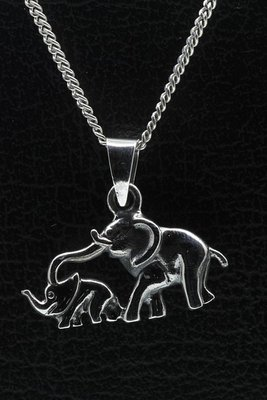 Zilveren Olifant met jong ketting hanger