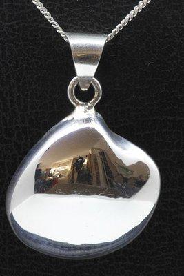 Zilveren Venus schelp abstract ketting hanger