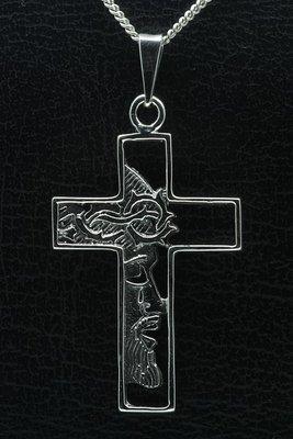 Zilveren Kruis met Jezus gezicht middel gezwart ketting hanger
