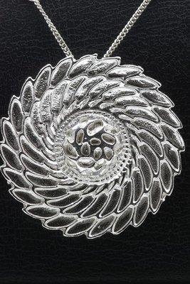 Zilveren Flowerswing design ketting hanger