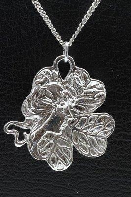 Zilveren Jugendstill - Art Deco - Vrouwengezicht in blad ketting hanger
