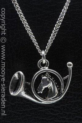 Jachthoorn met Paardenhoofd ketting hanger Zilvermetaal