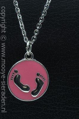 Babyvoetjes roze ketting hanger Zilvermetaal