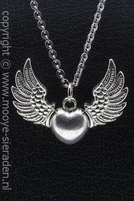 Hart met vleugels ketting hanger Zilvermetaal