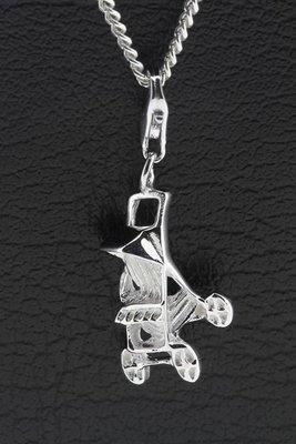 Zilveren Buggy kinderwagen hanger en bedel