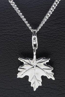 Zilveren Esdoorn blad hanger én bedel